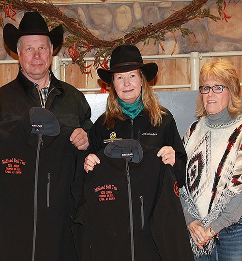 Arlin and Jenifer Fratzke, Flying AJ Ranch, in Stevensville, Montana, are long-time Midland Bull Test Supporters.